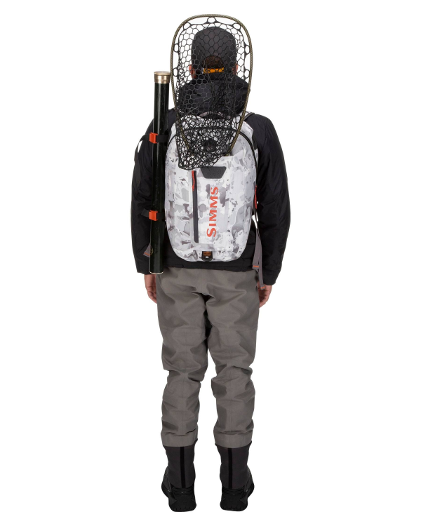 Simms Dry Creek Z Backpack Cloud Camo Grey Model Back